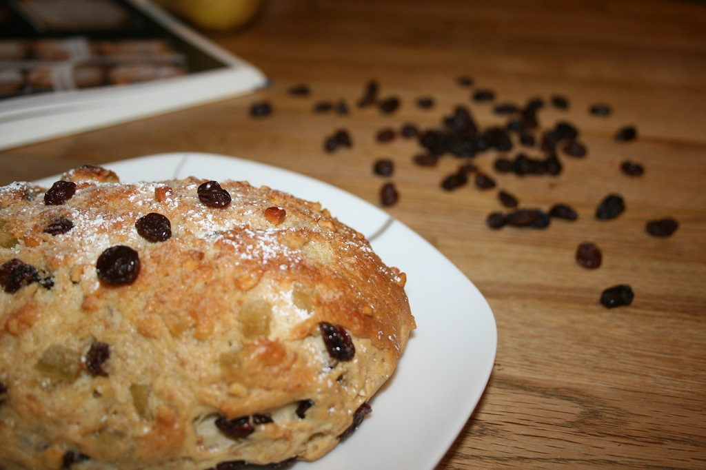 stollen - rosinen - puderzucker