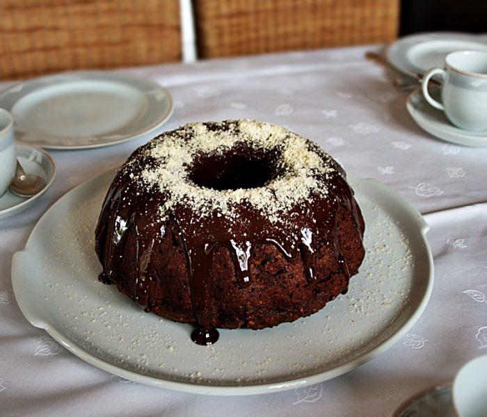 Zucchini – Schokoladen Gugelhupf